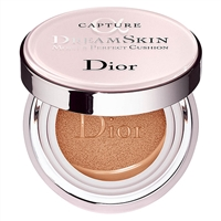 Christian Dior Capture DreamSkin Moist & Perfect Cushion SPF 50 025 Apricot Beige 0.5oz / 15g